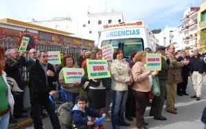 Última manifestación de 'Especialistas ¿YA! a las puertas del Centro de Salud.