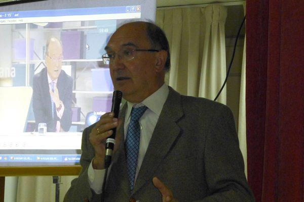 Antonio Rodríguez Carrión durante la charla