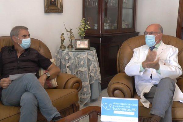 El Dr. Antonio Rodríguez Carrión, junto al periodistaJuan Manuel López