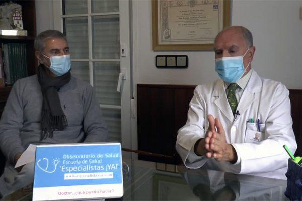 El Dr. Antonio Rodríguez Carrión y el periodista Juan Manuel López